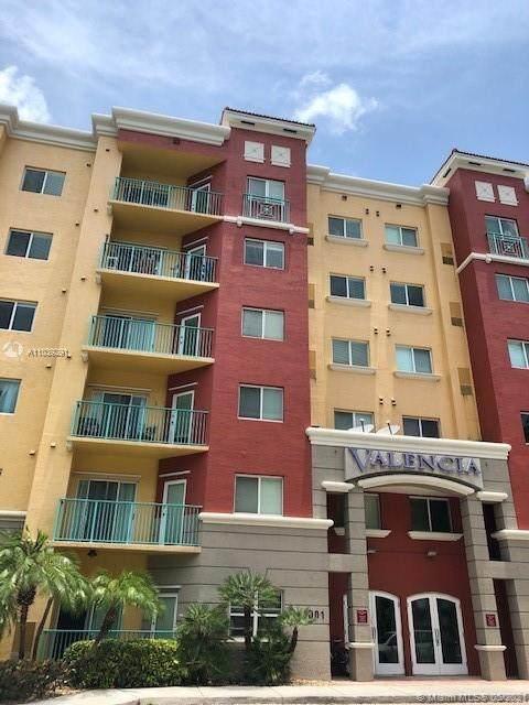 6001 SW 70th St #311, South Miami, FL 33143 (MLS #A11039291) :: Carole Smith Real Estate Team