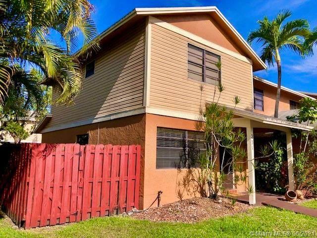 231 NW 106th Ter, Pembroke Pines, FL 33026 (MLS #A11039810) :: Berkshire Hathaway HomeServices EWM Realty