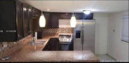 2775 W Okeechobee Rd Lot # B11, Hialeah, FL 33010 (#A11040166) :: Posh Properties