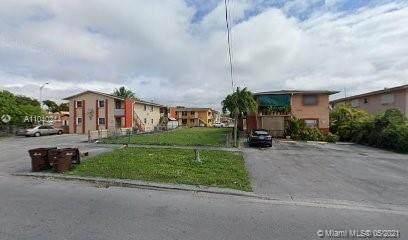 2657 W 2nd Ave, Hialeah, FL 33010 (MLS #A11040244) :: Albert Garcia Team