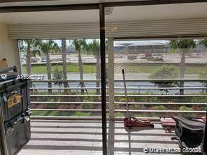 4291 NW 9th Ave #202, Deerfield Beach, FL 33064 (MLS #A11040727) :: Berkshire Hathaway HomeServices EWM Realty