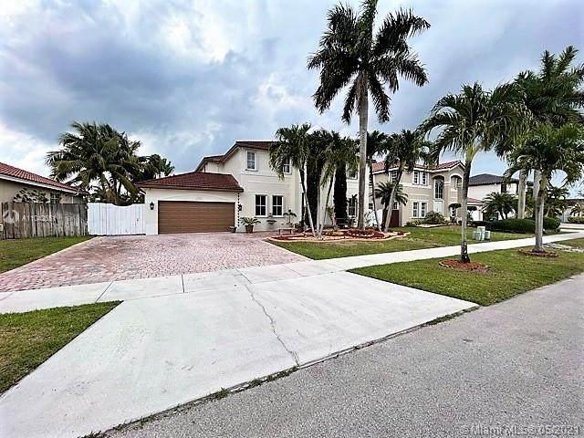 16261 SW 53rd Ter, Miami, FL 33185 (MLS #A11042551) :: Team Citron