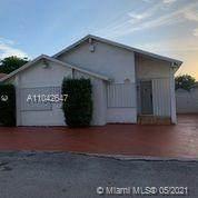 715 SW 97th Court Cir, Miami, FL 33174 (MLS #A11042647) :: Team Citron