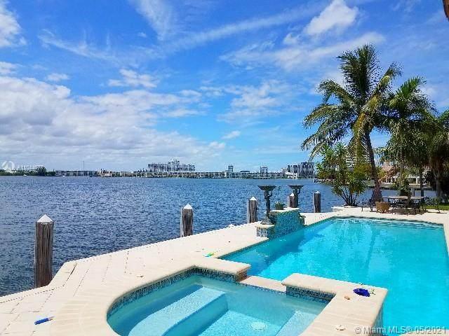 16479 NE 30th Ave, North Miami Beach, FL 33160 (MLS #A11044677) :: Team Citron