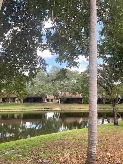 1681 NW 96th Ter #1681, Pembroke Pines, FL 33024 (MLS #A11046944) :: Berkshire Hathaway HomeServices EWM Realty