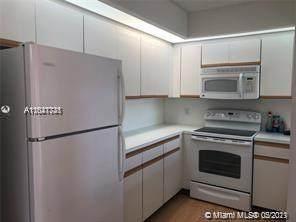 12600 SW 5th Ct 303L, Pembroke Pines, FL 33027 (MLS #A11047731) :: Berkshire Hathaway HomeServices EWM Realty