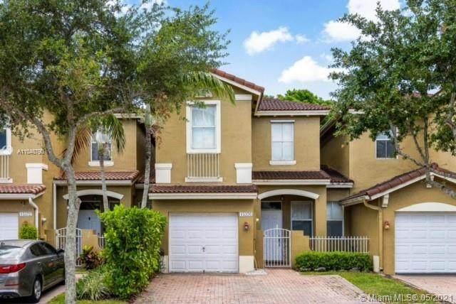 15376 SW 9th Way #15376, Miami, FL 33194 (MLS #A11048790) :: Prestige Realty Group