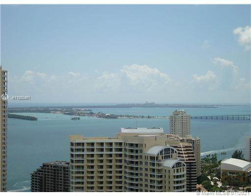 335 S Biscayne Blvd #4001, Miami, FL 33131 (MLS #A11050461) :: The Howland Group