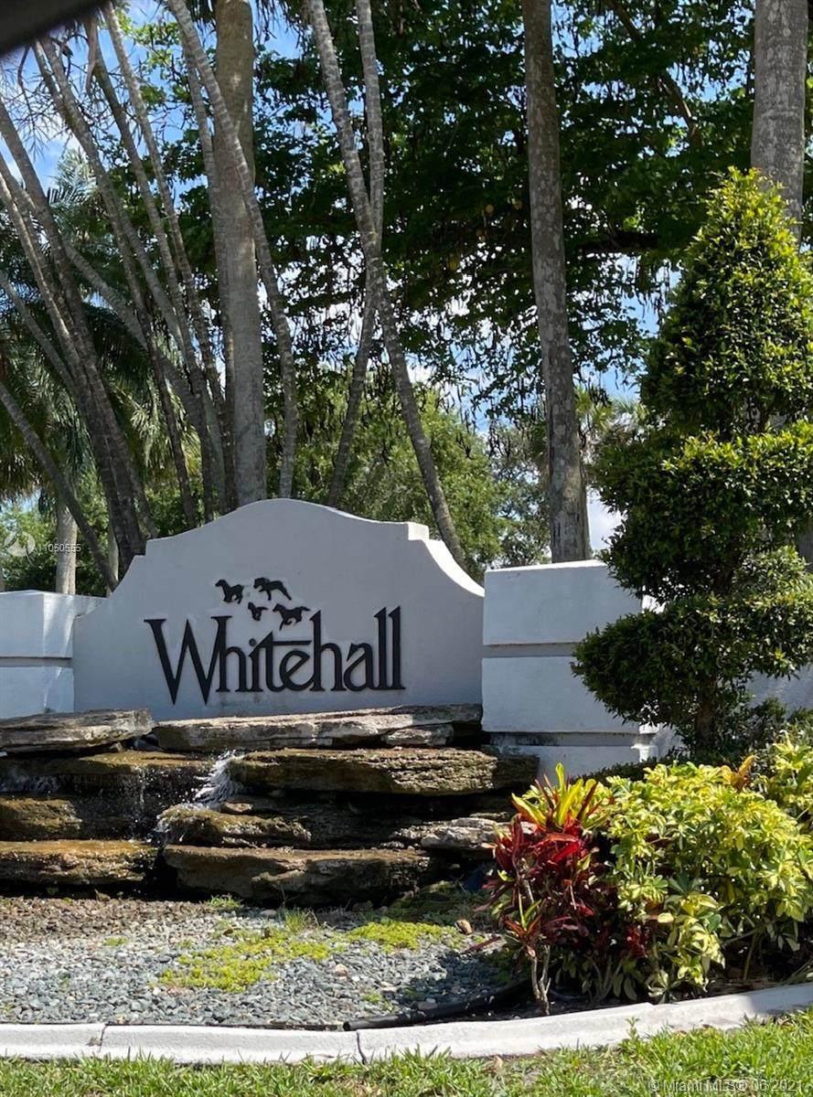 1502 White Hall Dr - Photo 1