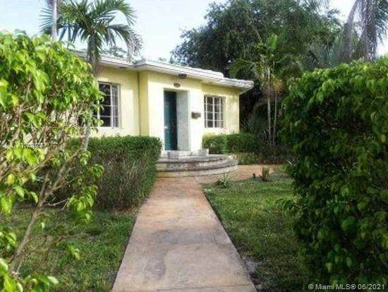 216 NE 92nd St, Miami Shores, FL 33138 (MLS #A11051038) :: The Jack Coden Group