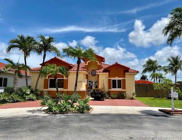 16039 SW 55th Ter, Miami, FL 33185 (MLS #A11051371) :: The Riley Smith Group