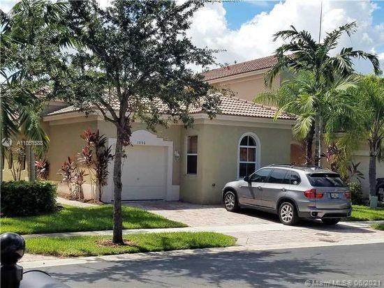 1096 NE 39th Ave, Homestead, FL 33033 (MLS #A11051588) :: The Pearl Realty Group