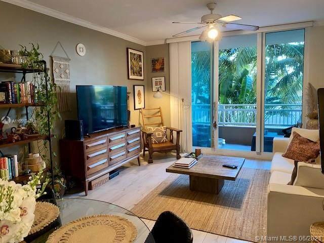 2665 SW 37th Ave #201, Miami, FL 33133 (MLS #A11051742) :: Castelli Real Estate Services
