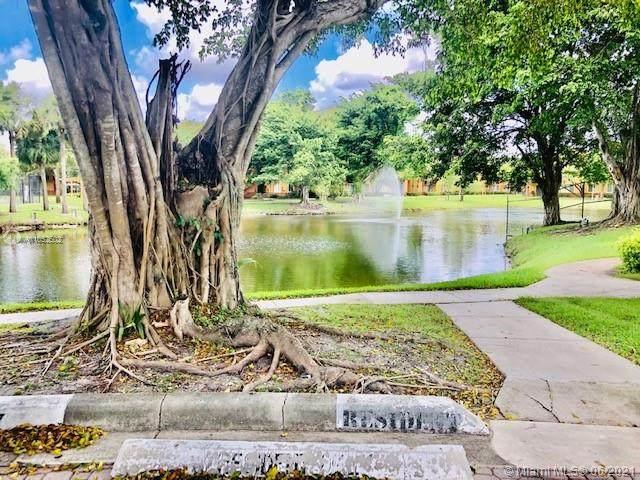 Plantation, FL 33324 :: Berkshire Hathaway HomeServices EWM Realty