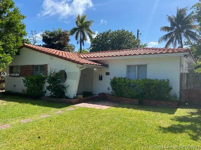 738 Fernwood Rd, Key Biscayne, FL 33149 (MLS #A11053366) :: The Paiz Group