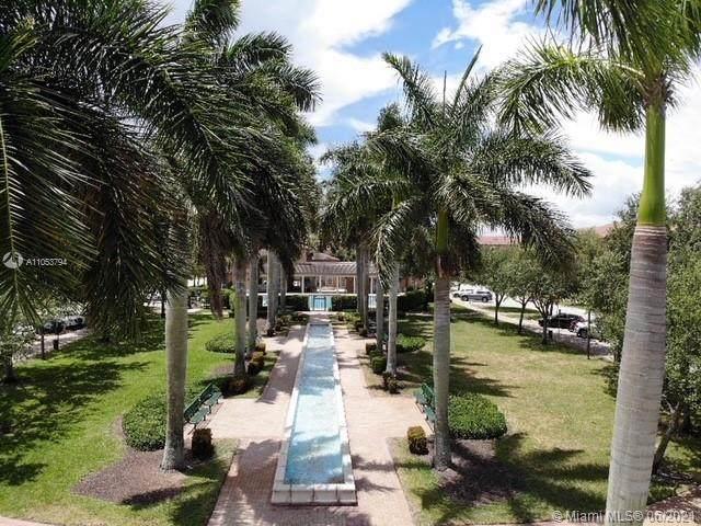 810 SW 146th Ter #810, Pembroke Pines, FL 33027 (MLS #A11053794) :: Berkshire Hathaway HomeServices EWM Realty