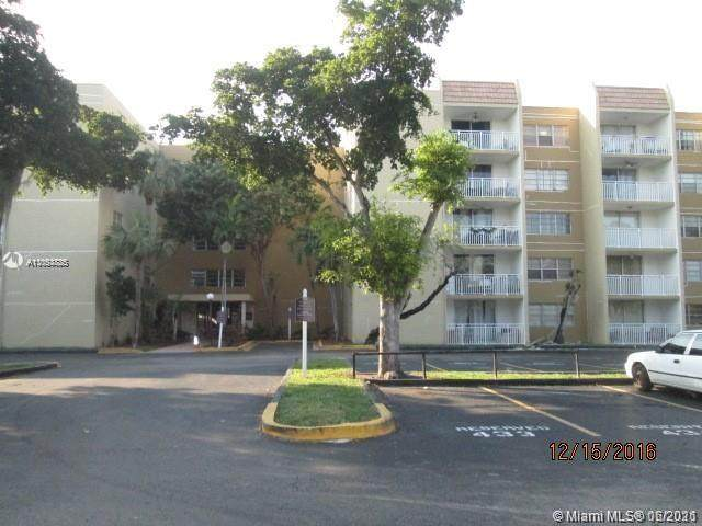 6930 NW 186th St 1-312A, Hialeah, FL 33015 (MLS #A11053885) :: Berkshire Hathaway HomeServices EWM Realty
