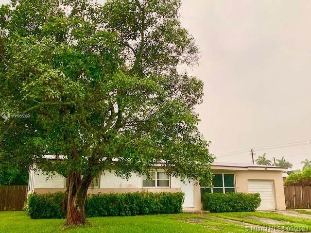 1720 NW 10th St, Homestead, FL 33030 (MLS #A11055069) :: Douglas Elliman