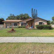 908 Cardinal Pl, Homestead, FL 33035 (MLS #A11056353) :: Onepath Realty - The Luis Andrew Group