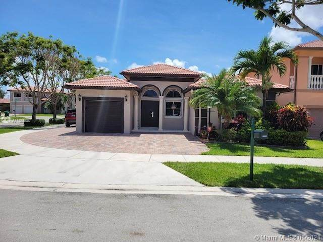 22920 SW 113th Path, Miami, FL 33170 (MLS #A11056867) :: The Riley Smith Group