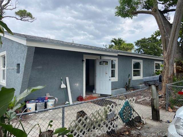 7001 Sheridan St, Hollywood, FL 33024 (MLS #A11057186) :: Castelli Real Estate Services