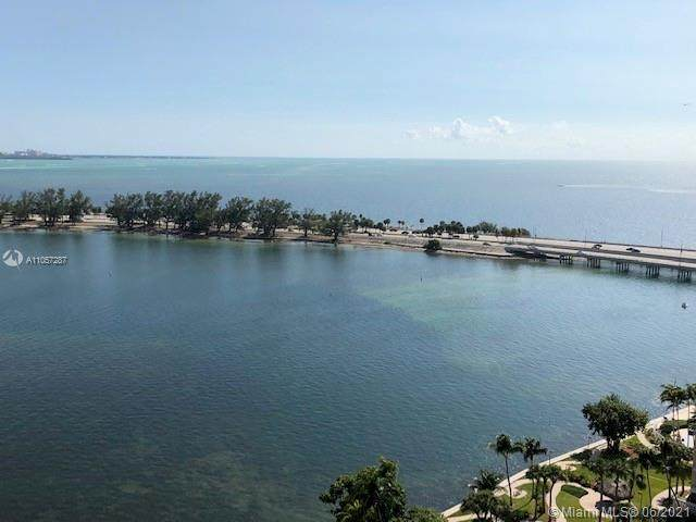 2333 Brickell Ave #1906, Miami, FL 33129 (MLS #A11057287) :: Vigny Arduz | RE/MAX Advance Realty