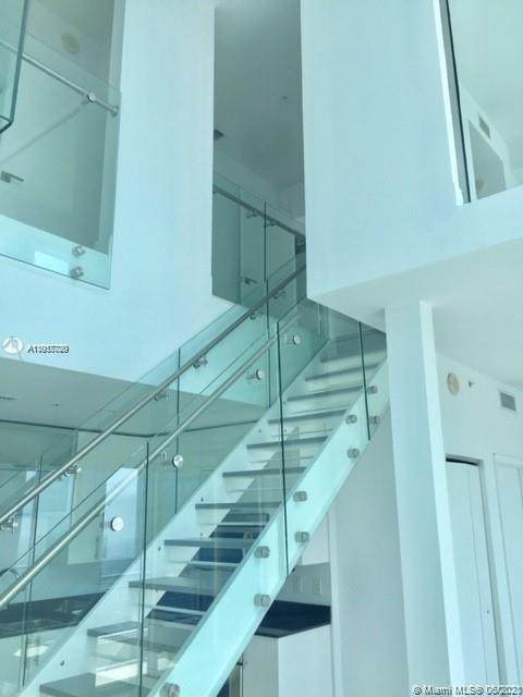 60 SW 13th St Ph5209, Miami, FL 33130 (MLS #A11057720) :: Berkshire Hathaway HomeServices EWM Realty