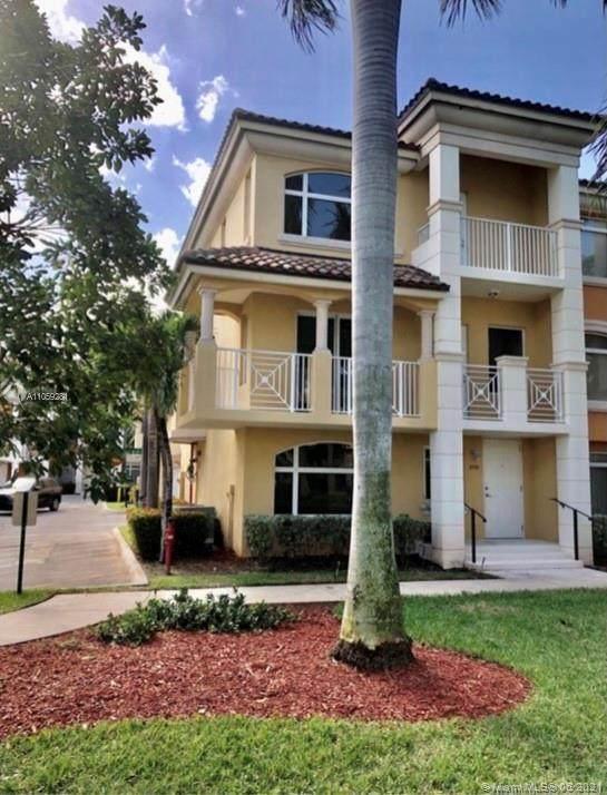 2733 NE 184th Ln #141, Aventura, FL 33160 (MLS #A11059281) :: Castelli Real Estate Services