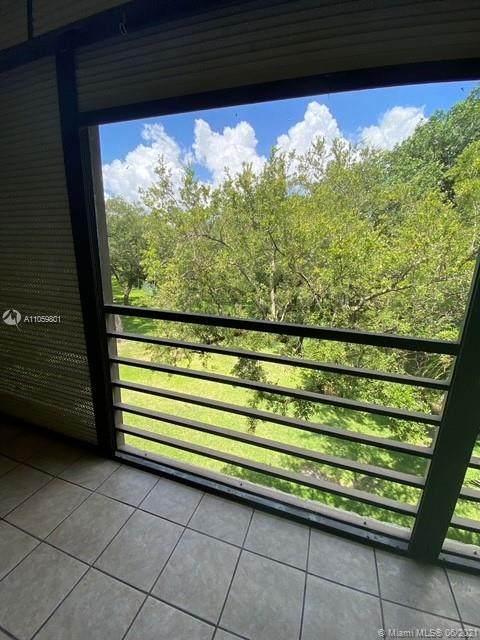461 Ives Dairy Rd 405-2, Miami, FL 33179 (MLS #A11059801) :: Carlos + Ellen