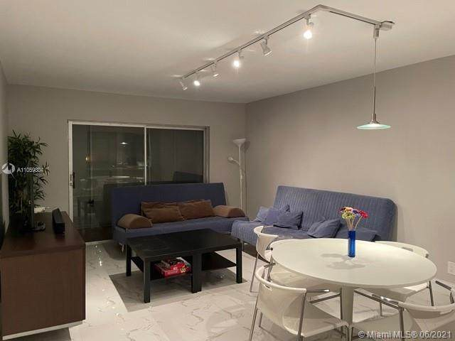 5100 SW 90th Ave #411, Cooper City, FL 33328 (MLS #A11059804) :: THE BANNON GROUP at RE/MAX CONSULTANTS REALTY I