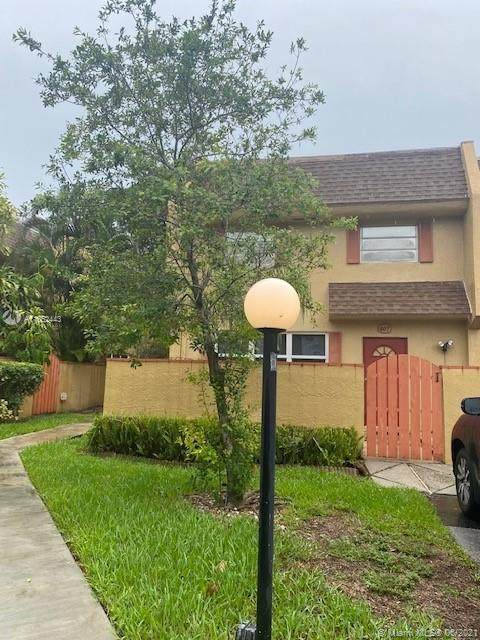7175 Nova Dr #407, Davie, FL 33317 (MLS #A11062443) :: Onepath Realty - The Luis Andrew Group
