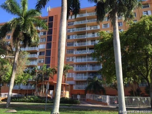 2450 NE 135th St #912, North Miami, FL 33181 (MLS #A11064188) :: Green Realty Properties