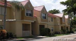 18314 NW 68th Ave E, Hialeah, FL 33015 (#A11064671) :: Dalton Wade