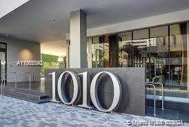 1010 Brickell Ave #1806, Miami, FL 33131 (MLS #A11065392) :: The Howland Group