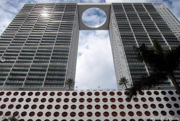 500 Brickell Ave #802, Miami, FL 33131 (MLS #A11066014) :: Castelli Real Estate Services