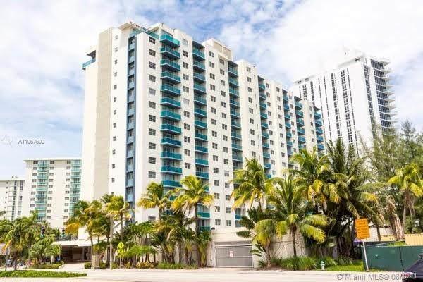 4001 S Ocean Dr 6-B, Hollywood, FL 33019 (MLS #A11067500) :: Berkshire Hathaway HomeServices EWM Realty