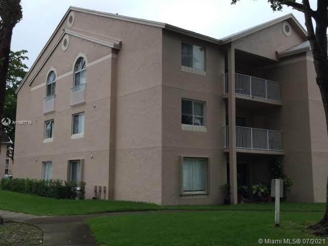 15771 SW 106th Ter #204, Miami, FL 33196 (MLS #A11067719) :: Castelli Real Estate Services