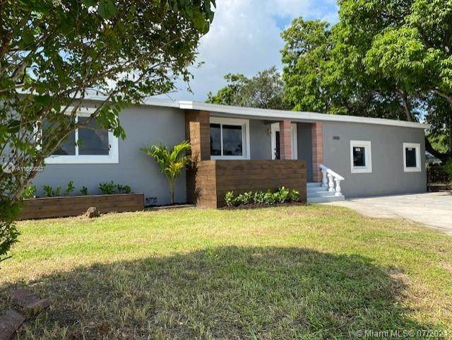1000 NW 147th St, Miami, FL 33168 (MLS #A11069987) :: The Howland Group