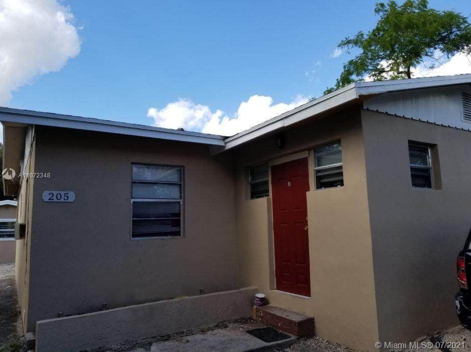 205 28th Ave - Photo 1