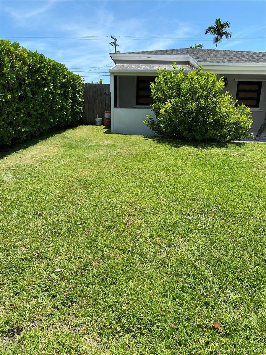 17871 19th Ave - Photo 1