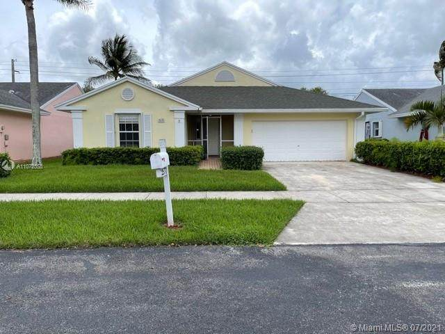 2570 SE 7th Pl, Homestead, FL 33033 (MLS #A11072558) :: The Riley Smith Group