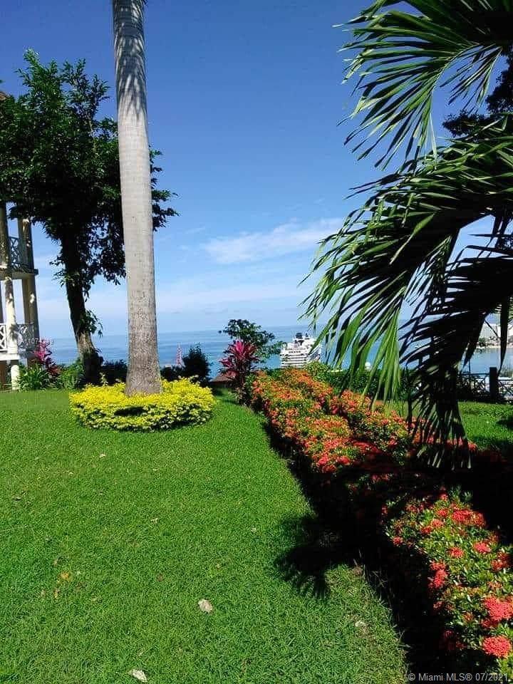 4 Sky Castles Jamaica - Photo 1