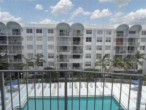 494 NW 165th St Rd C508, Miami, FL 33169 (#A11074687) :: Dalton Wade