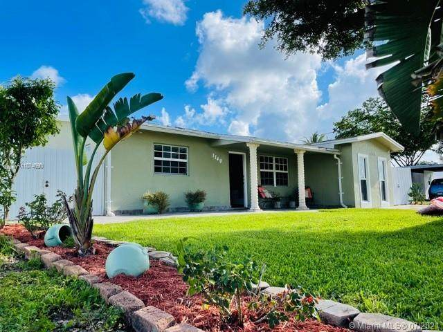 7740 NW 37th St, Davie, FL 33024 (MLS #A11074690) :: Equity Realty