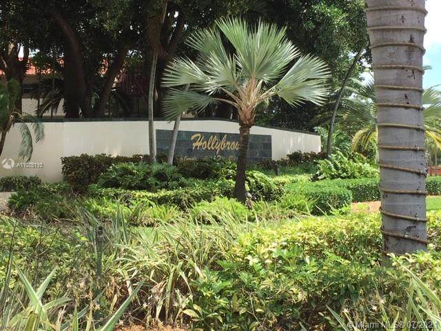 9400 N Hollybrook Lake Dr #201, Pembroke Pines, FL 33025 (MLS #A11075110) :: Castelli Real Estate Services