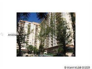 4101 Pine Tree Dr #801, Miami Beach, FL 33140 (MLS #A11075620) :: The Riley Smith Group