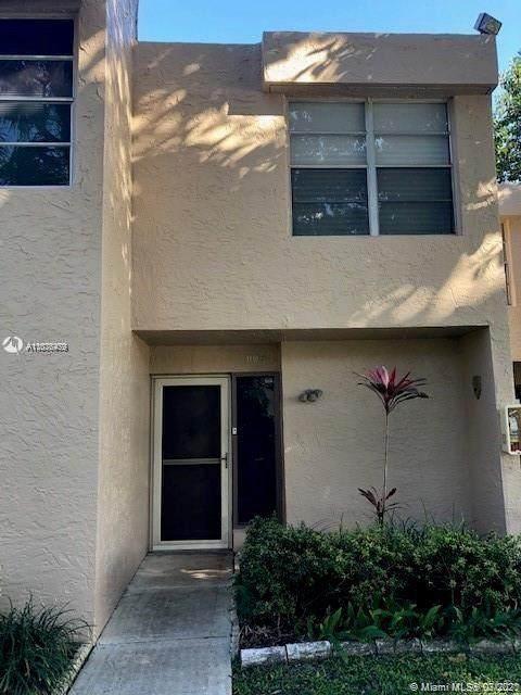 9421 Live Oak Pl #102, Davie, FL 33324 (MLS #A11076479) :: Castelli Real Estate Services