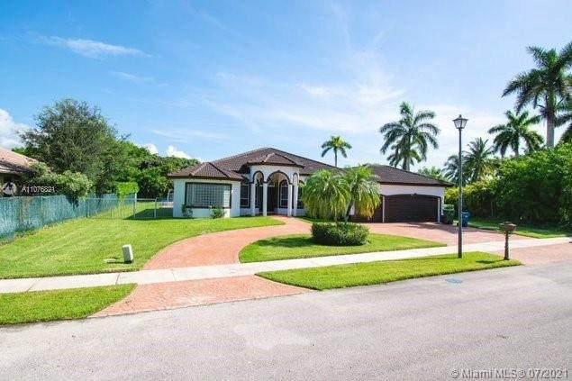 611 Ranch Rd, Weston, FL 33326 (MLS #A11076821) :: Douglas Elliman