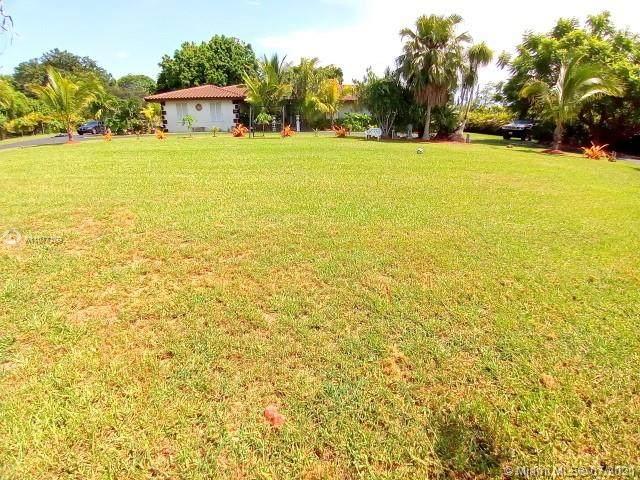 17400 SW 296th St, Homestead, FL 33030 (MLS #A11077109) :: Green Realty Properties