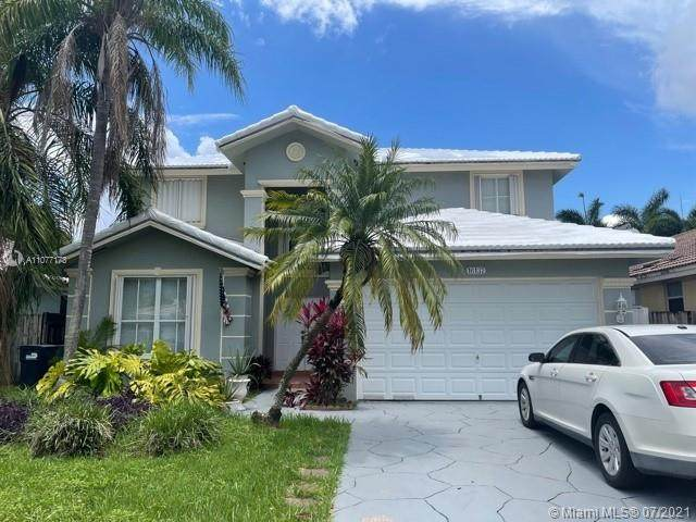 16137 SW 68th St, Miami, FL 33193 (MLS #A11077173) :: ONE Sotheby's International Realty